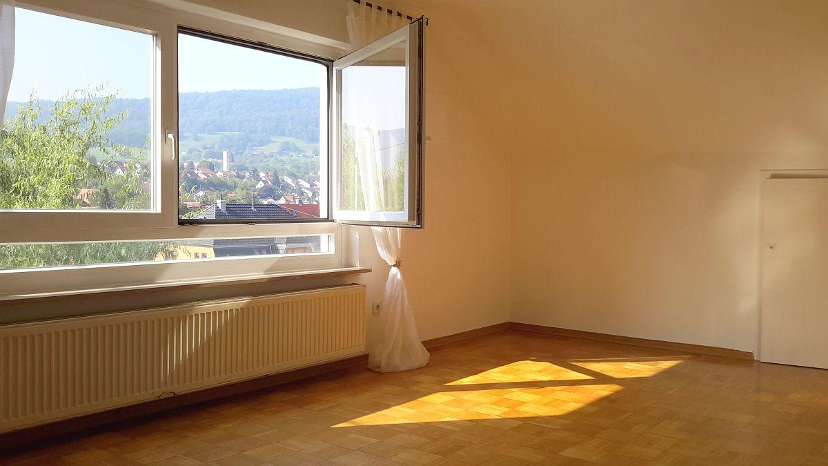 Dachgeschosswohnung mit  traumhaftem Ausblick in zentraler Lage